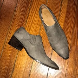 Frye pointed toe ankle boots booties 9 gray